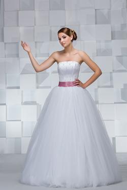 Мы производим и продаем недорогие свадебные платья оптом (Украина, Черновцы
