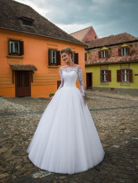 Весільні сукні оптом 2018 8831cfa3575a8